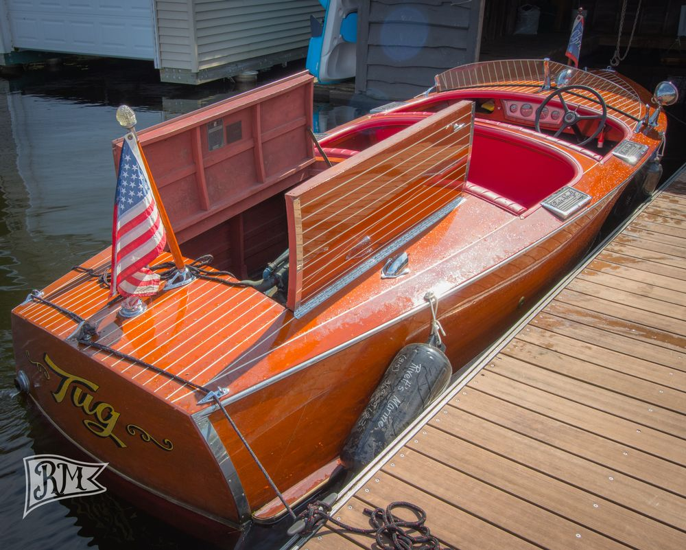 1937 Chris Craft Deluxe Runabout Inline 6 with Electronic Ingnition